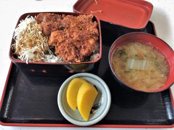 ekimaesyokudou